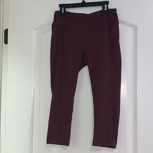 Maroon Capri yoga pants